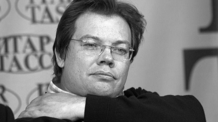 Умер главный дирижер Михайловского театра Александр Ведерников
