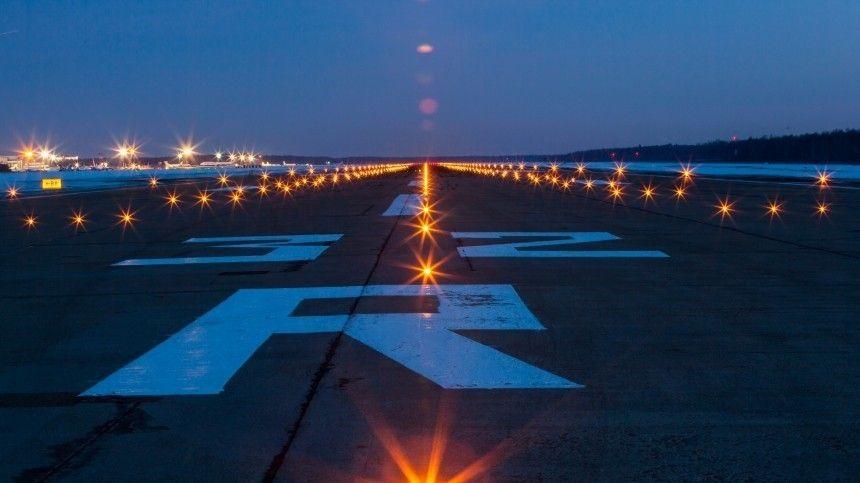 В Пулково готовится экстренно сесть самолет с неисправным оборудованием
