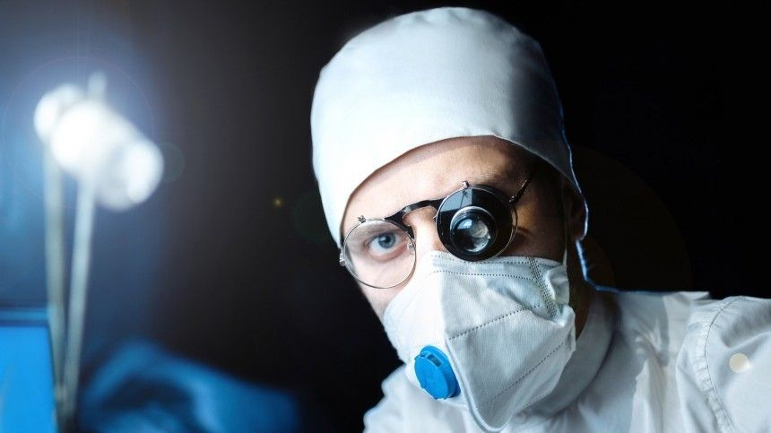 Инфекционист спрогнозировал новый всплеск заболеваемости коронавирусом в России
