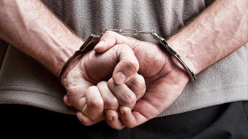 На подозреваемого в домогательствах к восьмикласснице учителя завели еще одно…