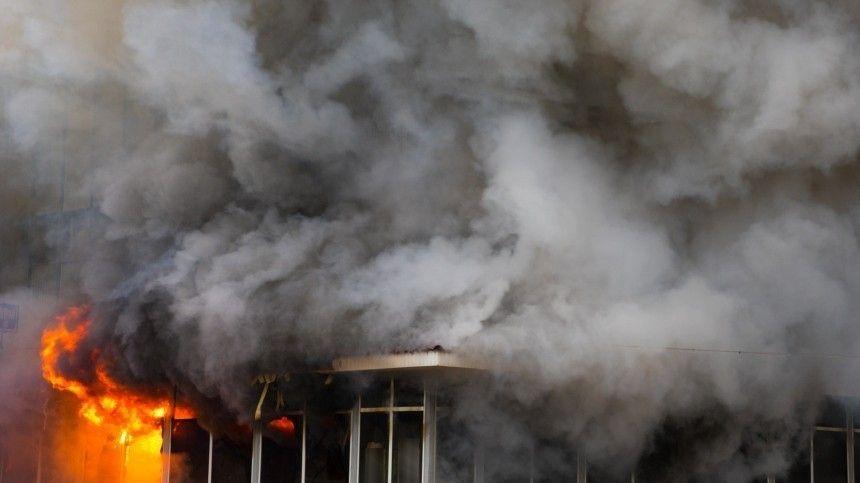 Взрыв и пожар произошли на складе в…