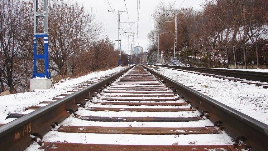 Поезд сошел с рельсов из-за ДТП с Land Rovеr под Нижним…