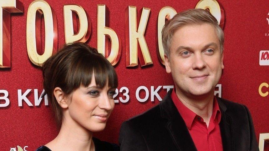 Жена Светлакова объяснила их свадьбу в каторжном …