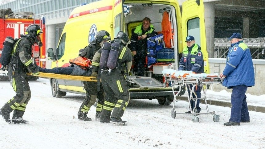 Десять человек пострадали при пожаре в московском…
