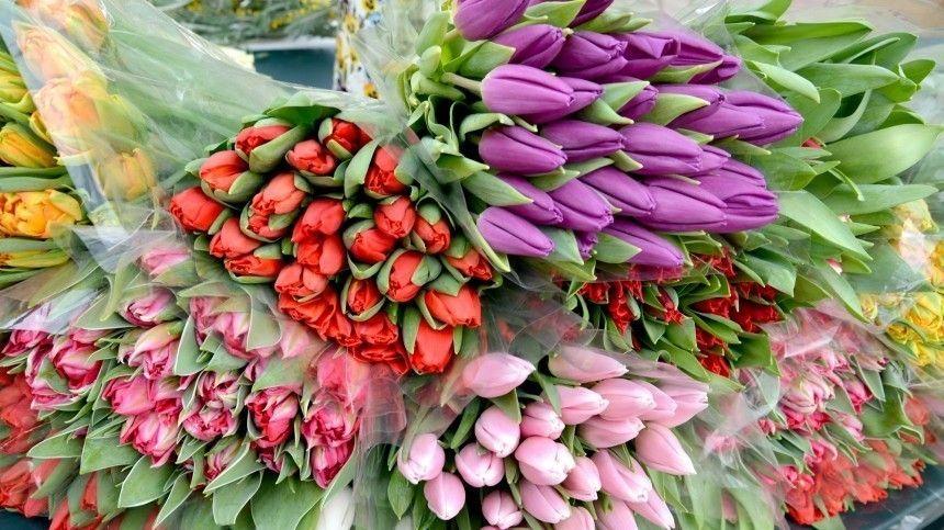 марта не будет  владельцы цветочных магазинов бьют…