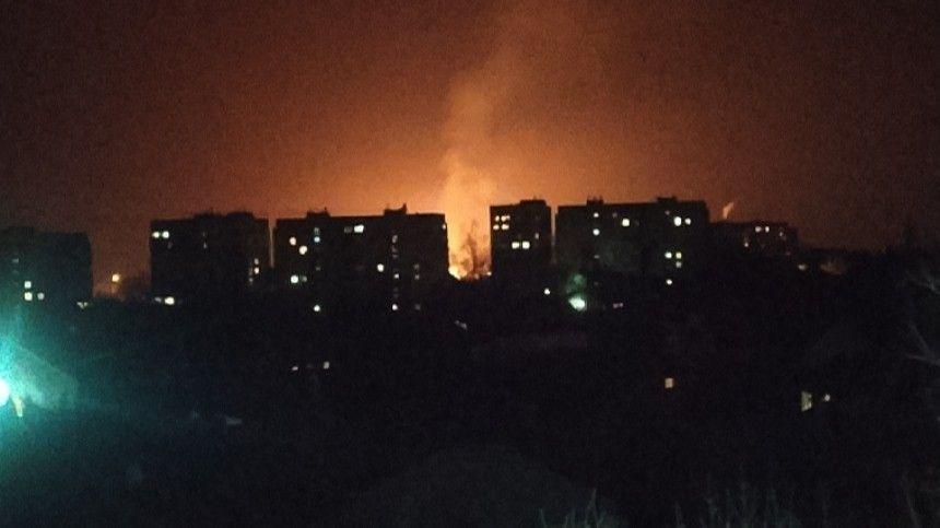 Мощный взрыв газа в Луганске привел к образованию 20-метрового огненного факела  видео