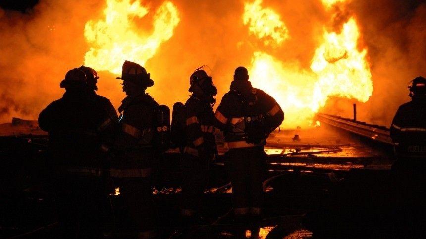 Пожар в Новой Москве привел к взрыву двух резервуаров с…