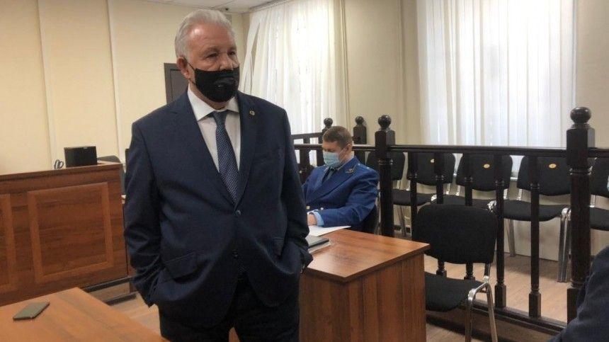 Суд огласил приговор экс-губернатору Хабаровского края Виктору…