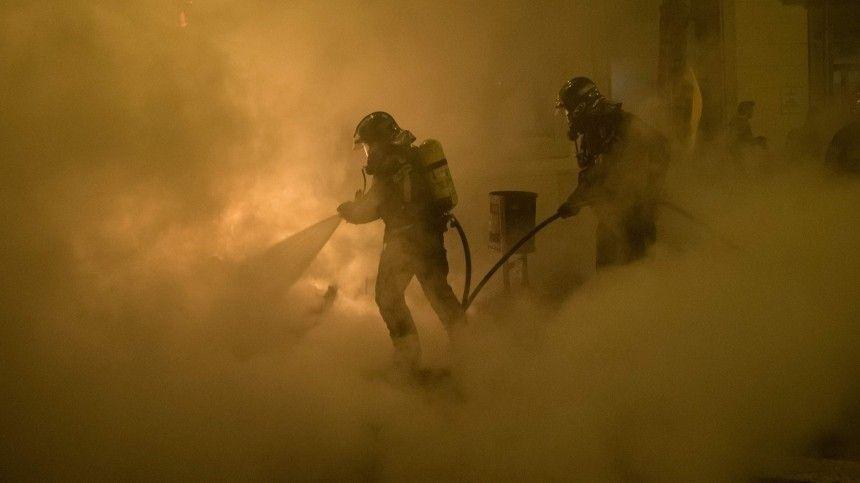 Площадь пожара на складах в Краснодаре стремительно возросла до тысячи…
