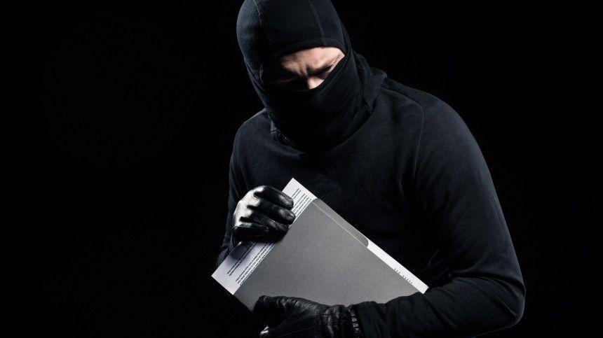 Неожиданную смекалку проявил грабитель при нападении на магазин в…
