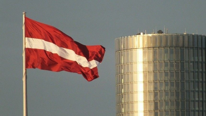 Власти Латвии запретили въезд в страну российскому…