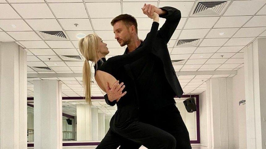 Болит все тело : Лазарев рассказал о травмах, полученных на Танцах со звездами…