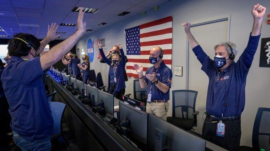 В Кремле назвали  важной для человечества  высадку на Марс аппарата…