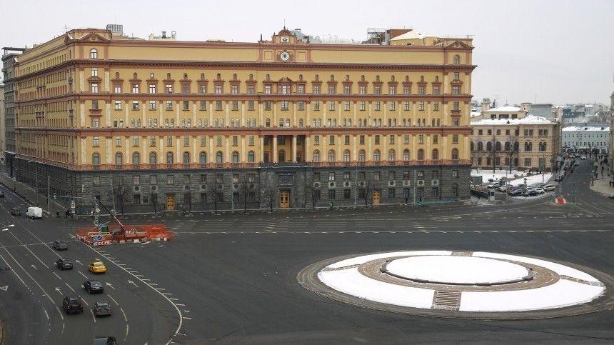 Между Невским и Дзержинским: В Москве проголосуют за новый памятник на…