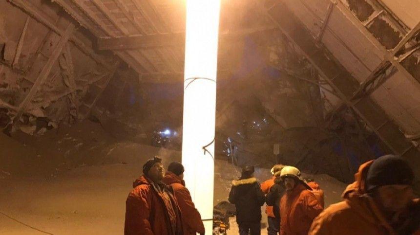 Пять человек находятся в тяжелом состоянии после обрушения на фабрике в…
