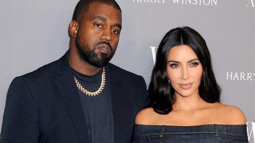 Ким Кардашьян и Канье Уэст официально подали на развод и начали раздел…