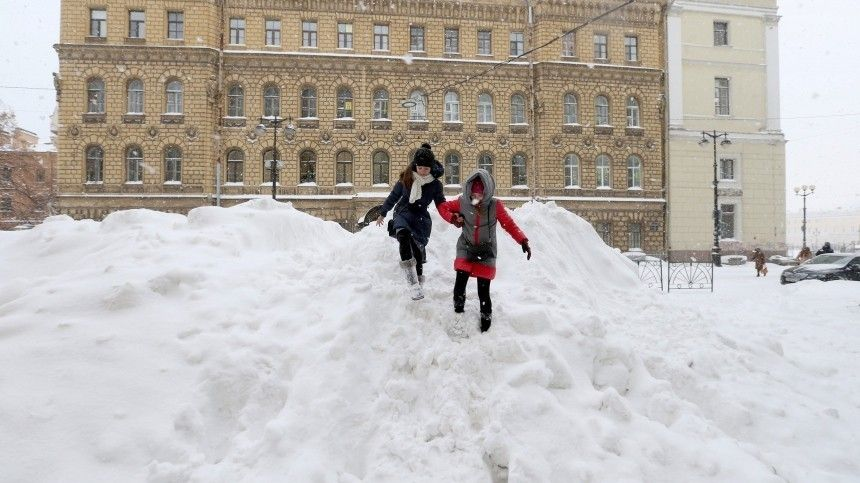 За подарками  на лыжах: к февраля слой снега в Петербурге увеличится в , …