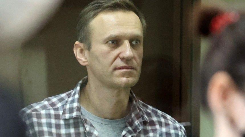 Навальный оштрафован на  тысяч рублей по делу о клевете на…