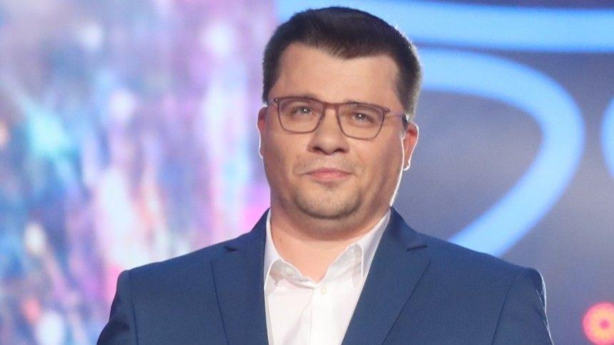 Гарик-Купидон : Харламов выложил свое детское фото с целующимися…