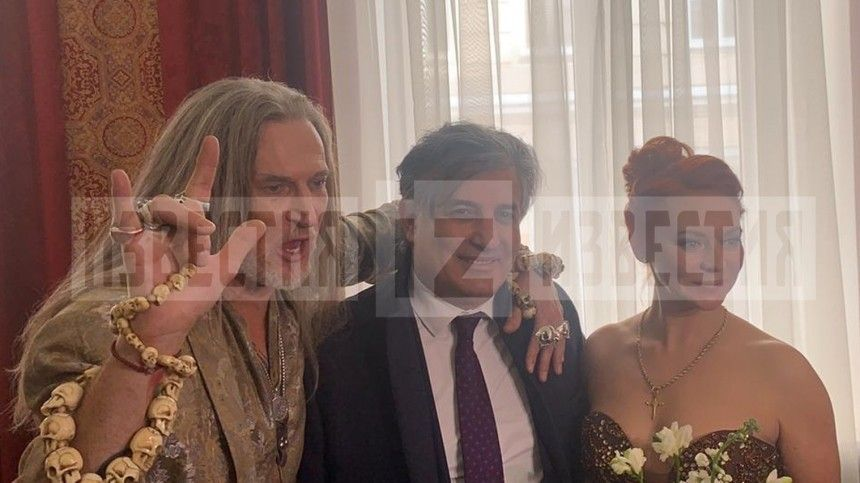 Эльман Пашаев поздравил Джигурду и Анисину с бракосочетанием …