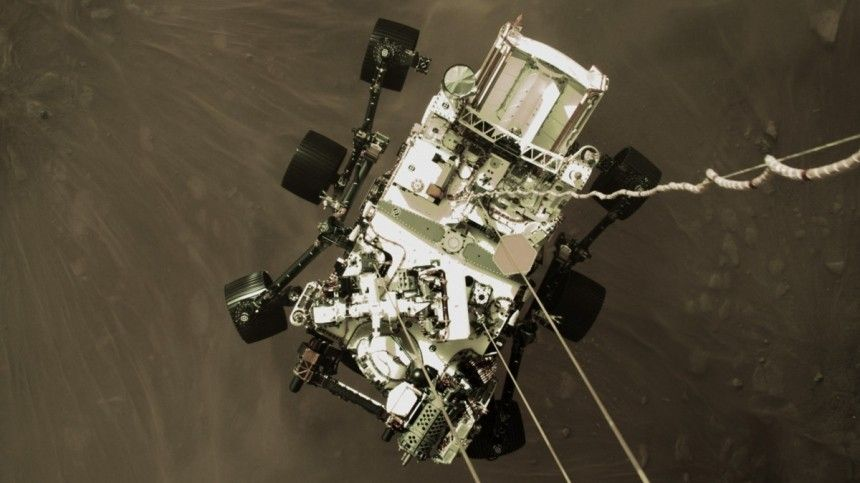 НАСА опубликовало видео посадки ровера Perseverance на поверхность…