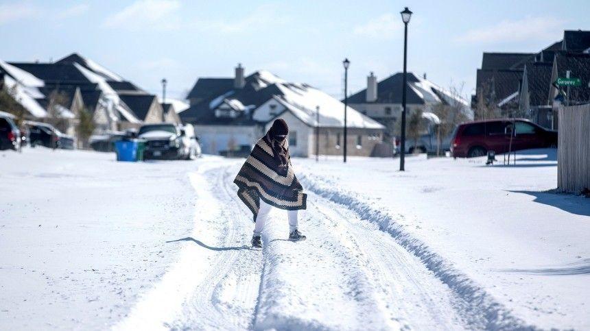 Жители США подозревают власти в организации снегопадов в Техасе …