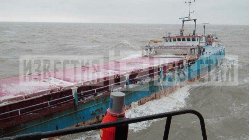 Один человек погиб, семеро пострадали в результате ЧП на судне в Темрюке …
