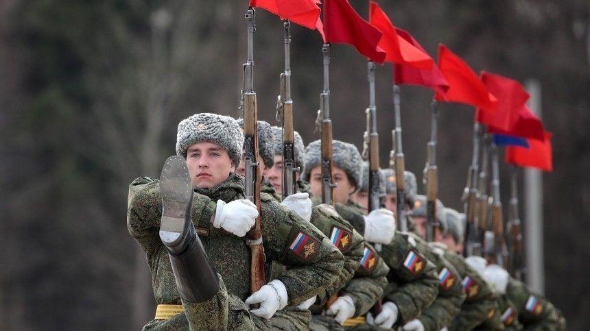 Железная бабушка  поздравила россиян с Днем защитника…