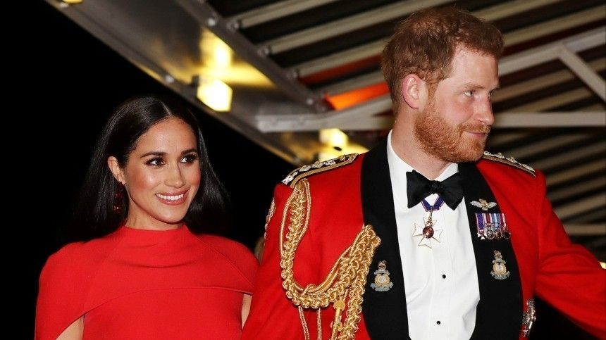 Принц Гарри и Меган Маркл впервые появились перед камерами после новостей о…