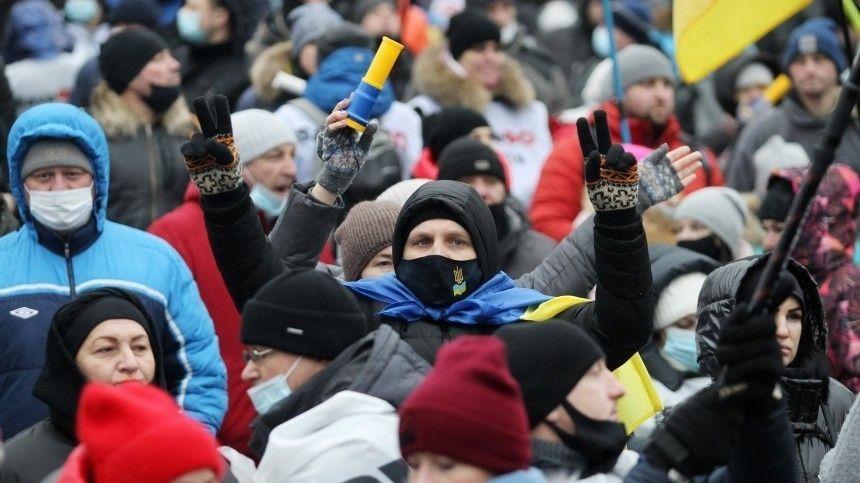 Звездный час Фемиды на Украине традиционно завершился  ганьбой  и уличными…