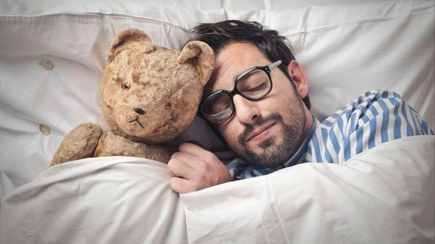 Почему нужно спать после прививки против COVID-19  отвечает врач-сомнолог