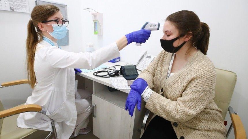 Без отрыва от шопинга: в Петербурге открылись центры вакцинации в…