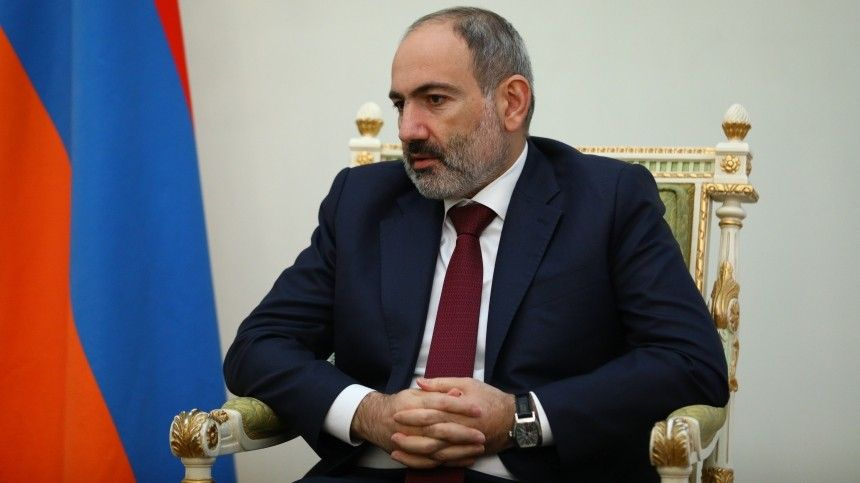 Конец терпения : политолог о требовании Генштаба ВС Армении об отставке…