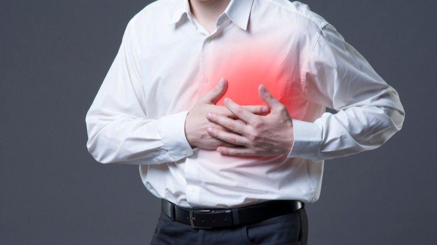 Боли в челюсти и мизинце: кардиолог назвала нетипичные симптомы…