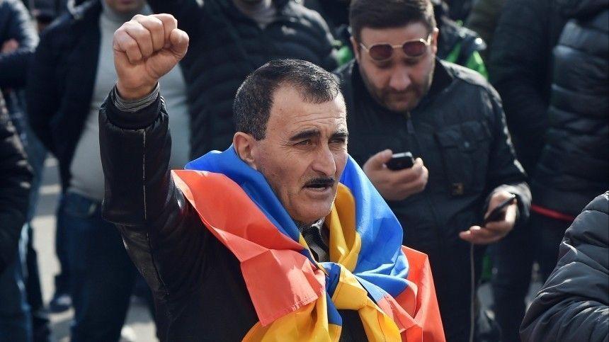 Пашинян заподозрил президента Саркисяна в попытке…