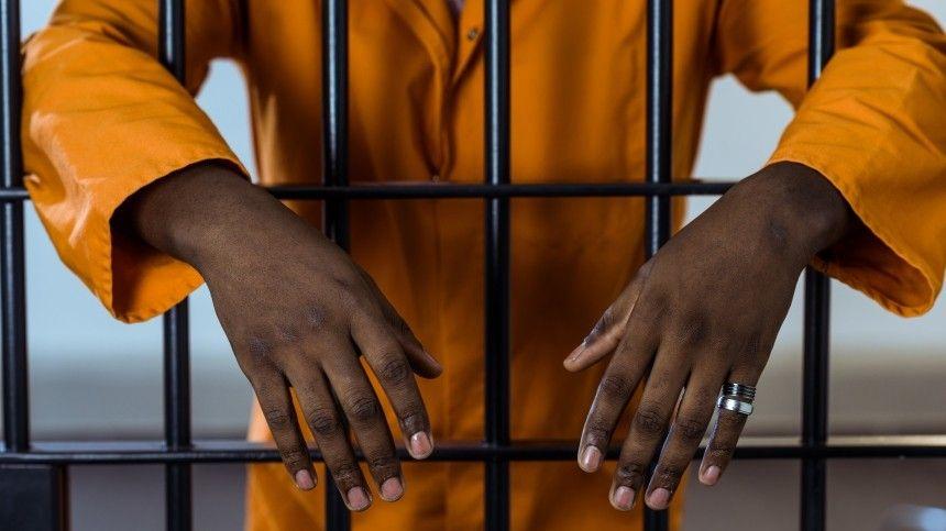 Известный гангстер сбежал из тюрьмы на Гаити, убив ее начальника и…