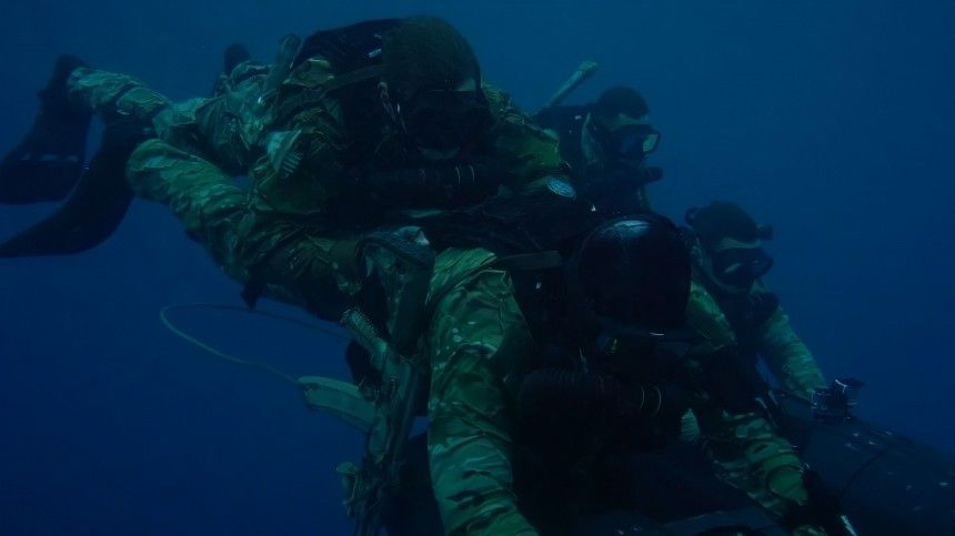Бойцы ССО показали отработку боевых навыков в честь профессионального…