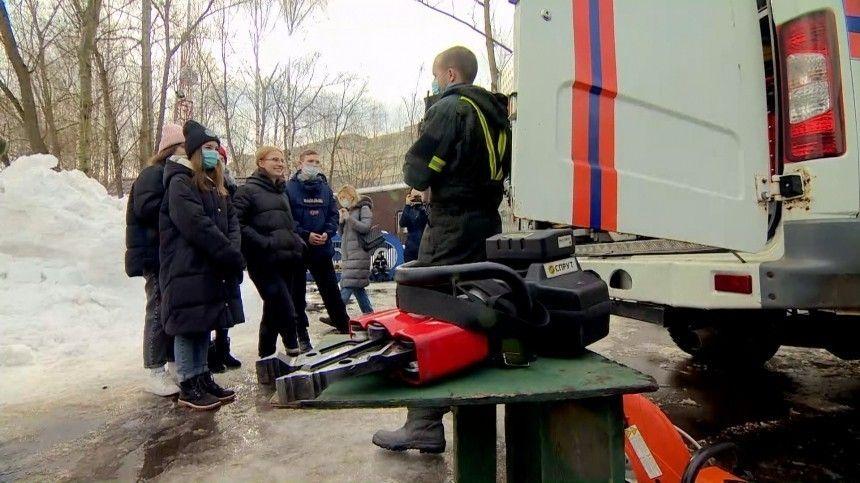 Укрощение огня и спасение людей: школьники участвовали в акции  Добрая суббота…