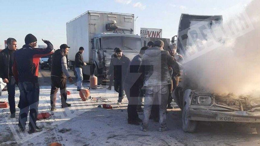 Без шансов: КАМАЗ жестко смял  Жигули  на трассе в Дагестане  шок-видео …
