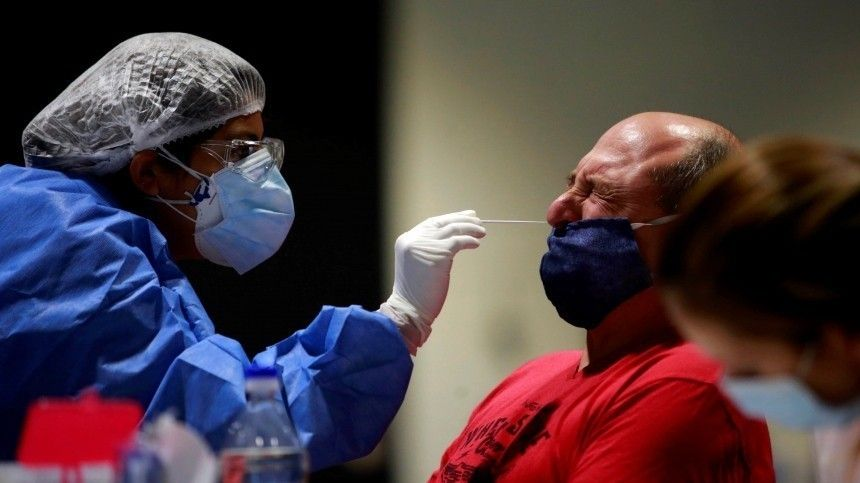 Снова нездорово: Европу и США лихорадит из-за пандемии COVID-…
