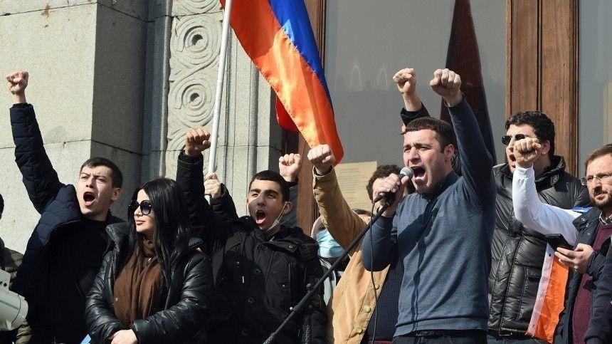 Что общего между кризисом в сегодняшней Армении и Россией в -е…