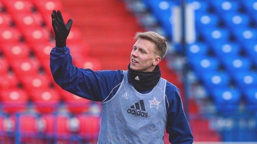 С уха пошла кровь : что известно о состоянии футболиста  СКА-Хабаровска…