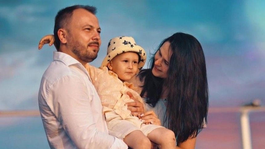 Глаза мамины : Сумишевский устроил сыну праздник через   недели после смерти…