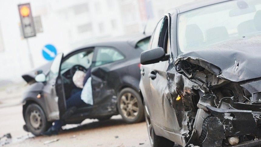 За рулем иномарки, сбившей пешеходов в Астрахани, был сын экс-депутата…