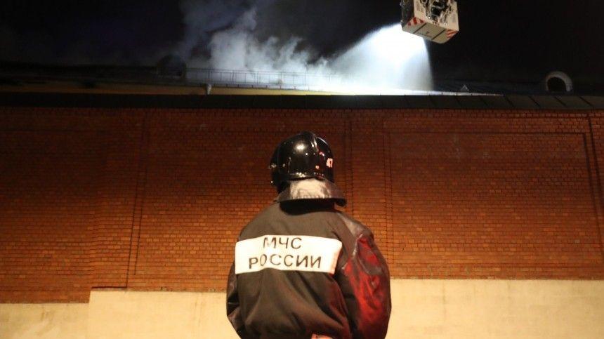 Очевидцы сообщили о взрыве в квартире на северо-востоке Петербурга …