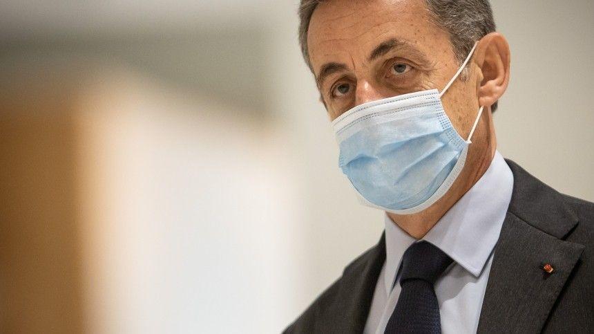 Суд Парижа приговорил экс-президента Саркози к реальному сроку…