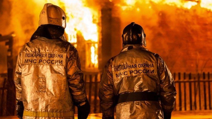 Огонь охватил ночью психоневрологический интернат в Тверской…