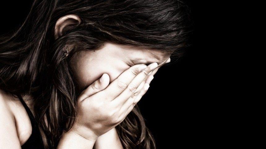 Следователи изучают видео избиения детей в частном детском саду…