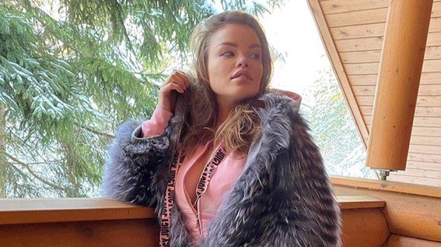 В угол посадил  видео с места нападения на Олесю Малибу в московском…