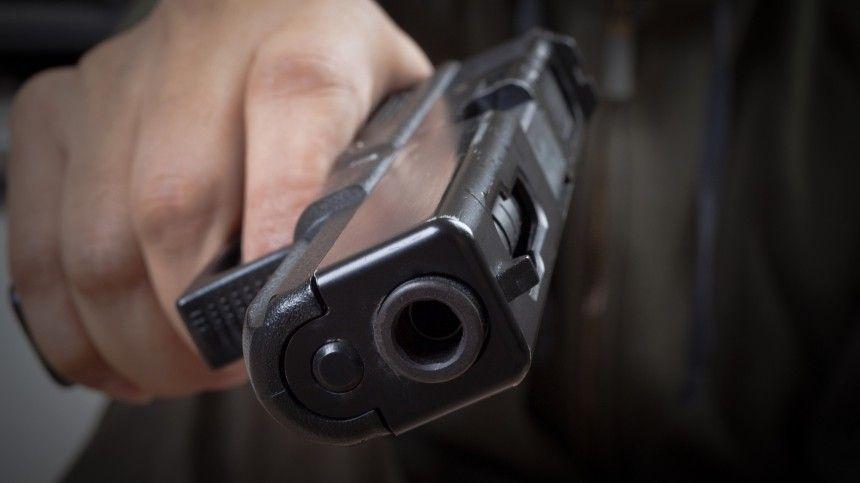 Тела двух человек с огнестрельными ранениями обнаружены в…